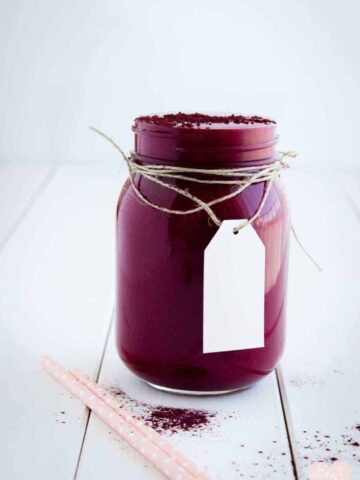 apple-and-beetroot-smoothie-purple