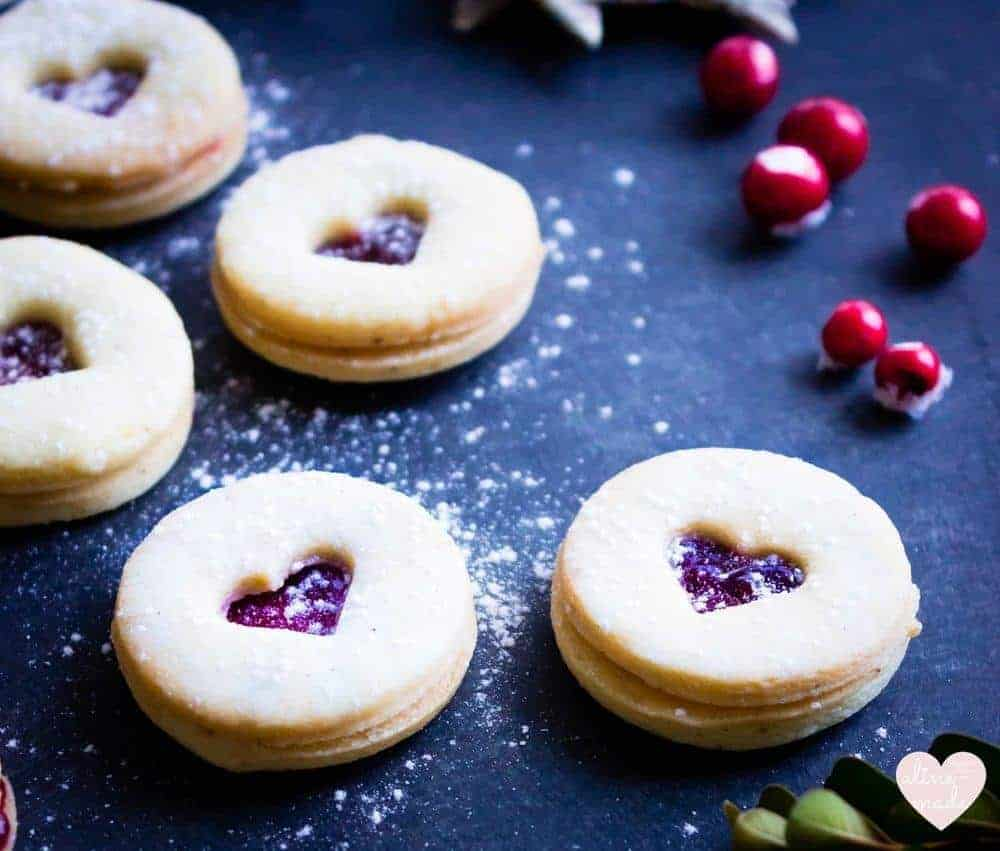 Swiss Jam Sandwich Cookies - Sprinkled with icing sugar!