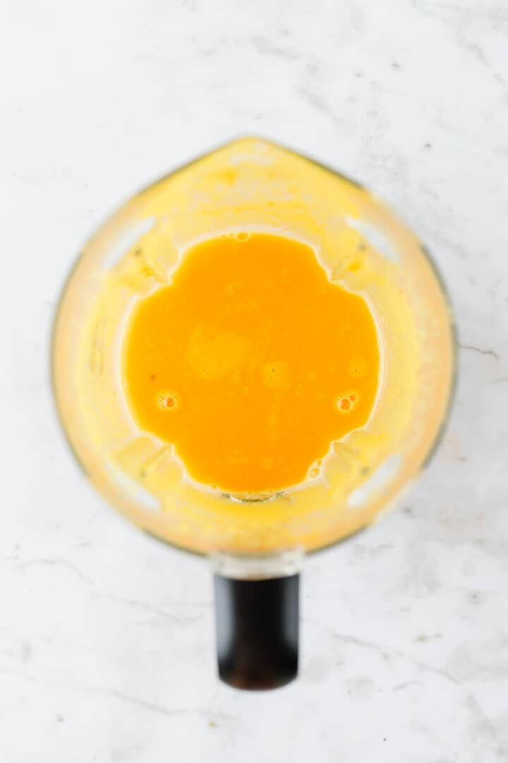 lemon ginger shot in a blender
