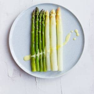 Steamed Asparagus with Sauce Hollandaise | Aline Made