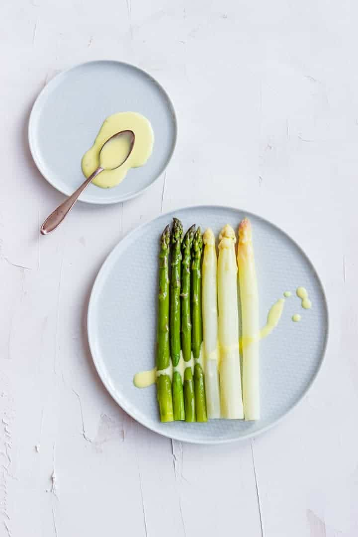 Steamed Asparagus with Sauce Hollandaise | Recipe