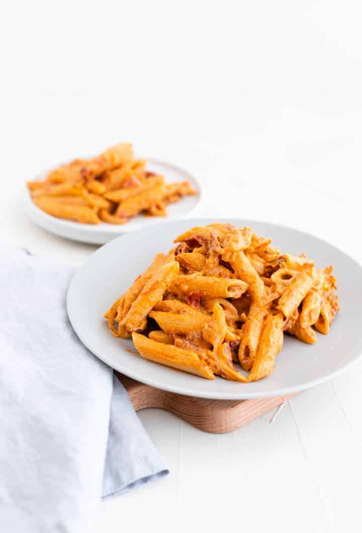 creamy vegan pasta made with cashew tomato pasta sauce