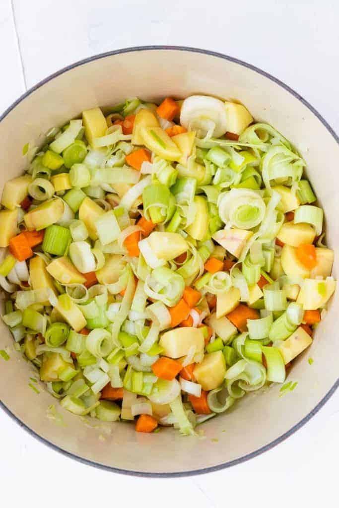 zubereitung vegane kartoffel lauch suppe