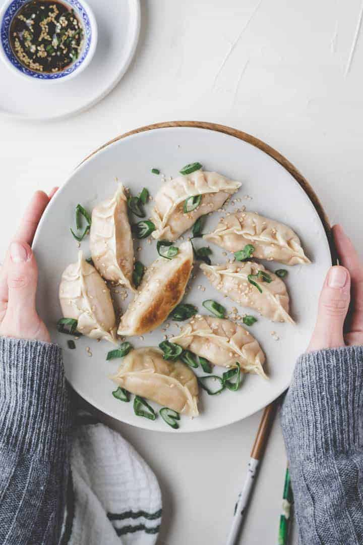 vegan dumplings recipe with dumpling dipping sauce