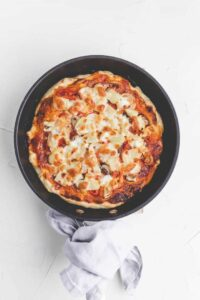 homemade pan pizza