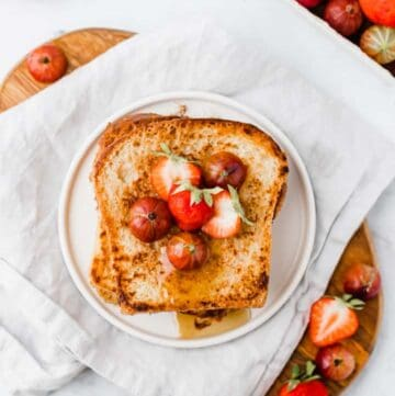 vegan french toast served with berries
