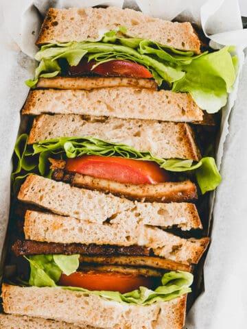 blt sandwiches in einer box