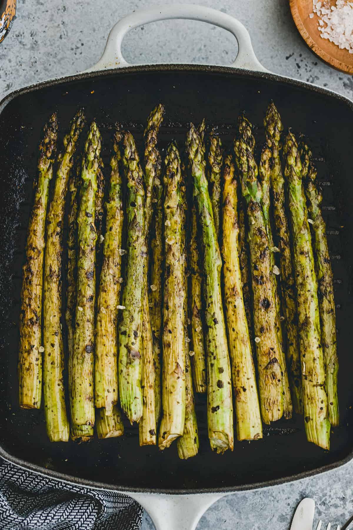 macro shot grilled asparagus