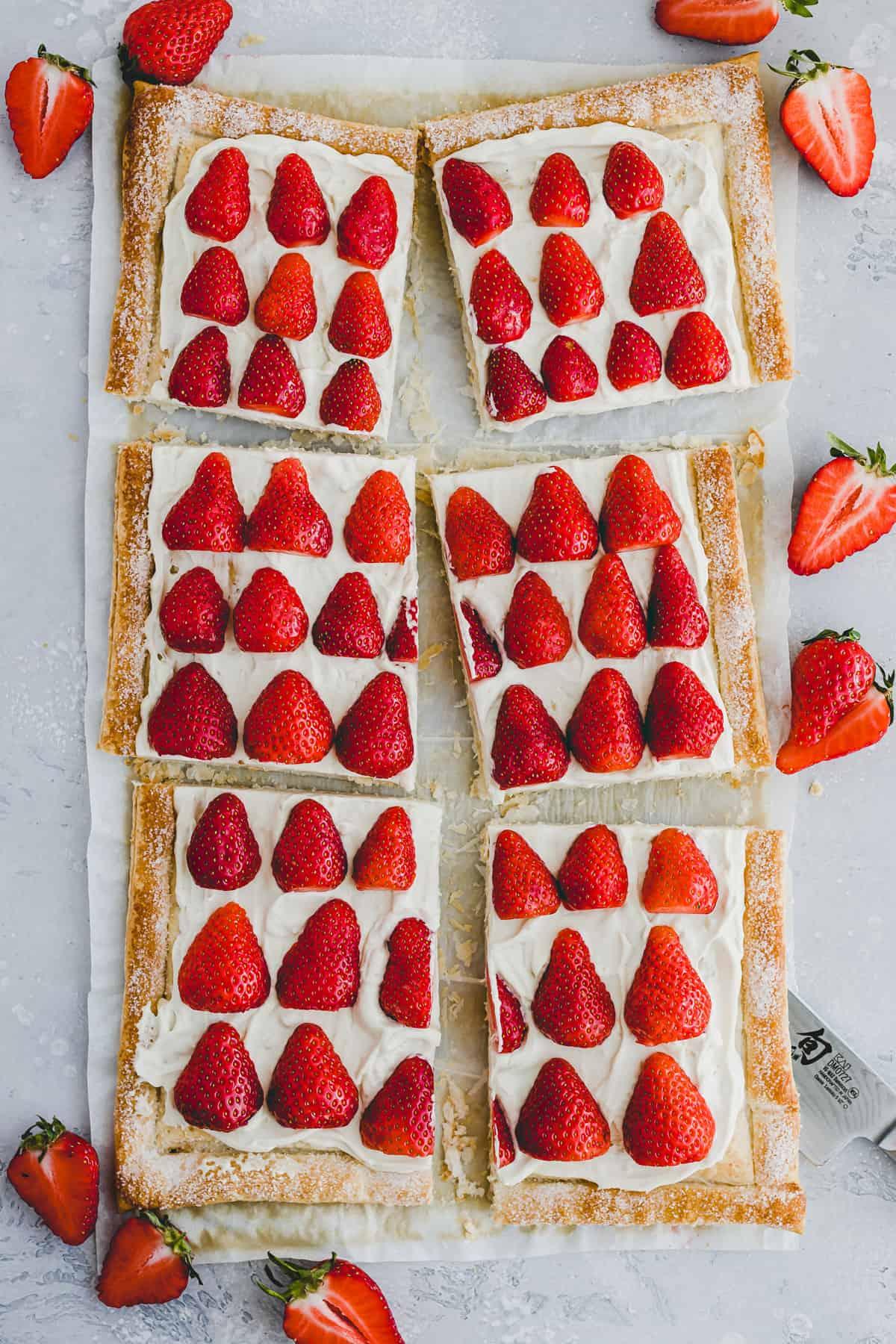 blätterteig mit pudding und erdbeeren