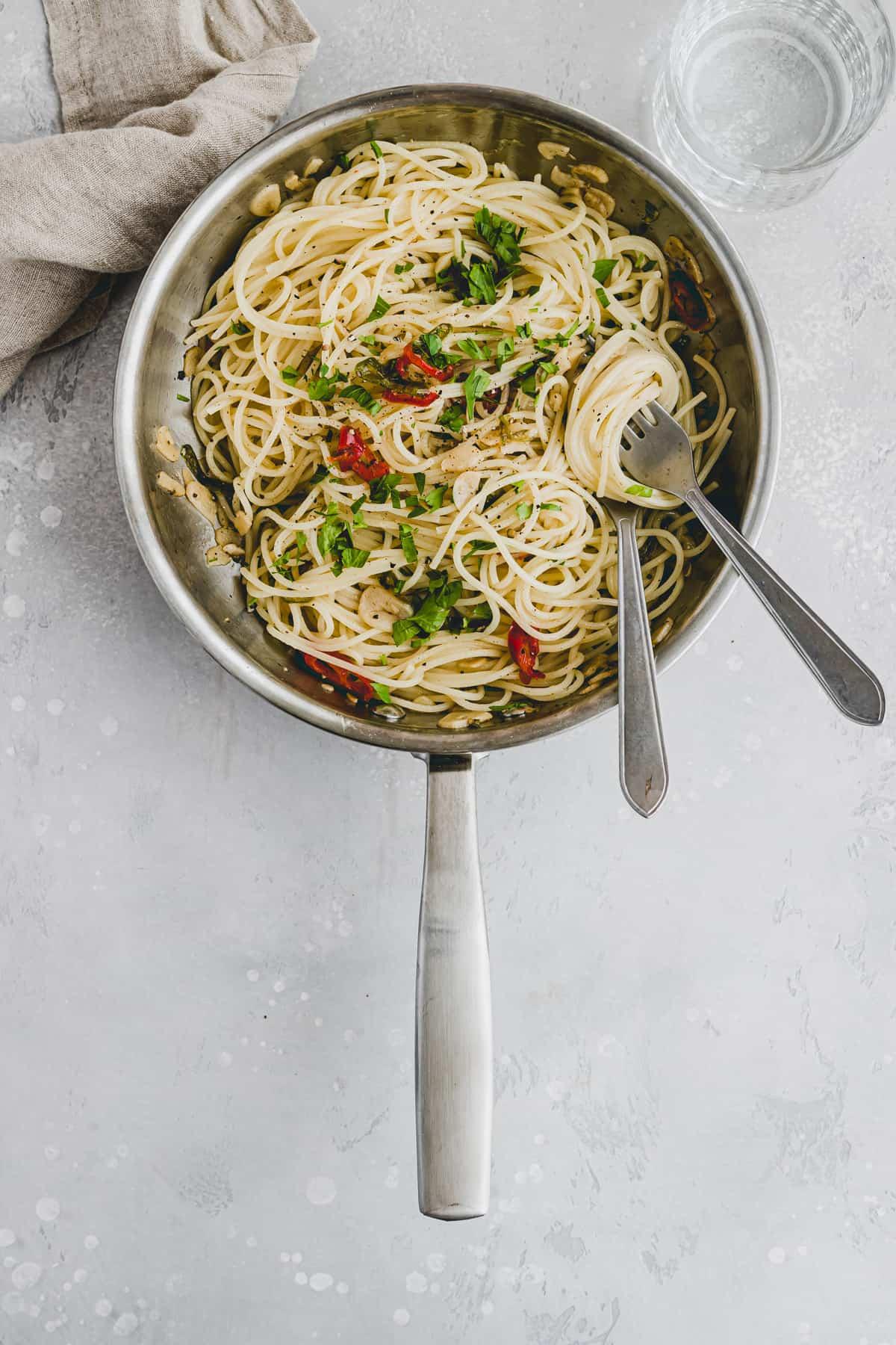 Spaghetti Aglio Olio Recipe Step-4