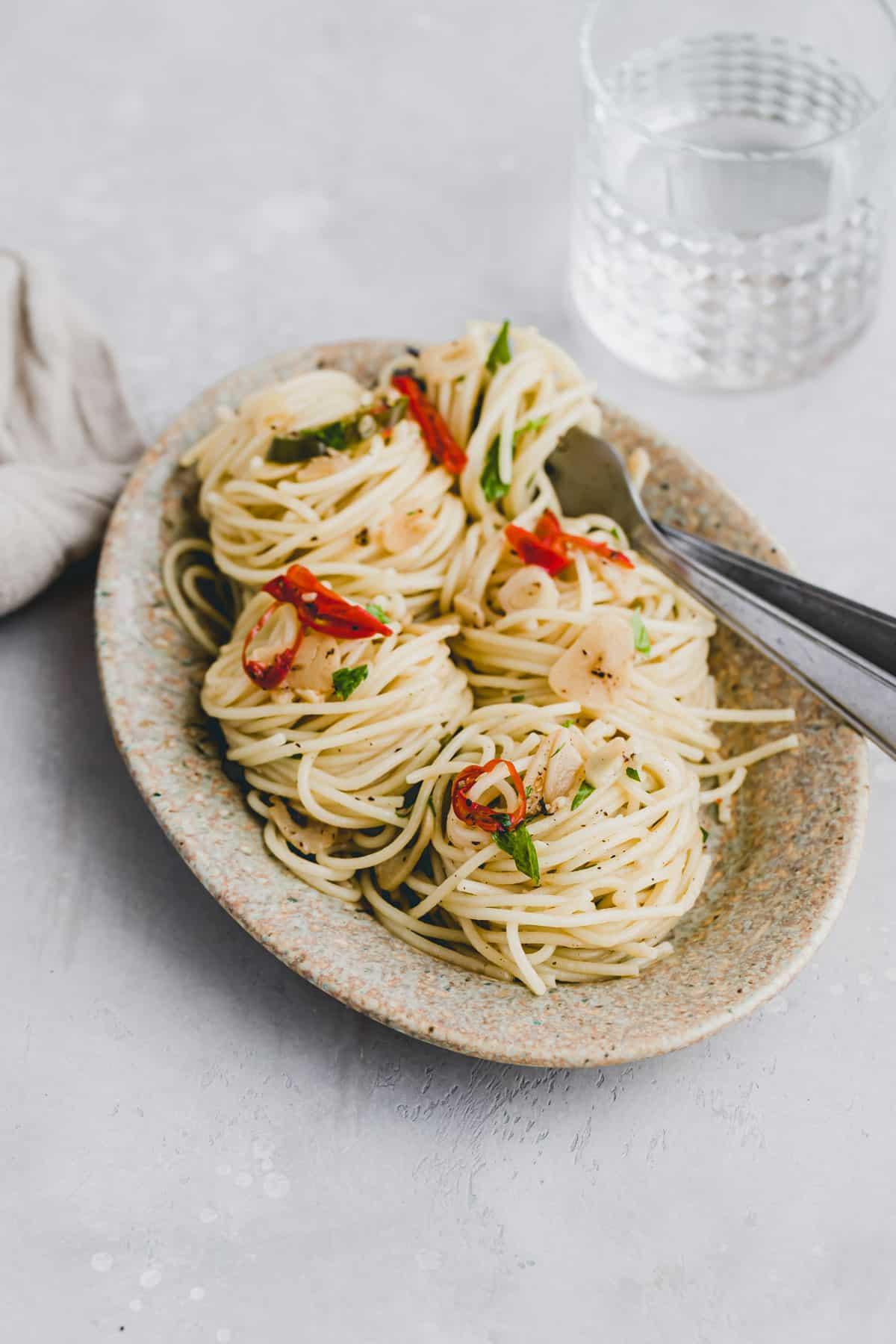 side shot of spaghetti aglio olio