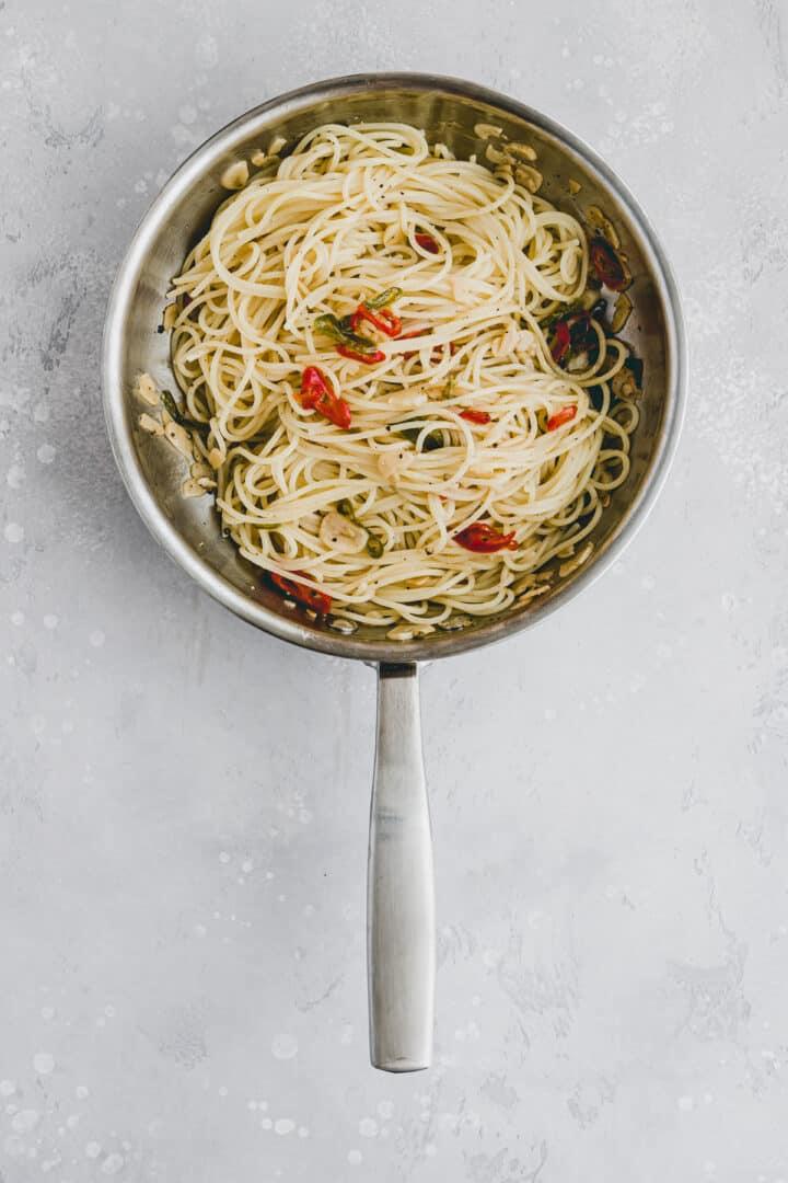 Spaghetti Aglio Olio Recipe Step-3